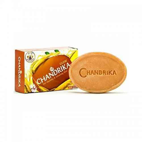 Indyjskie mydło CHANDRIKA drzewo sandałowe i szafran 75g